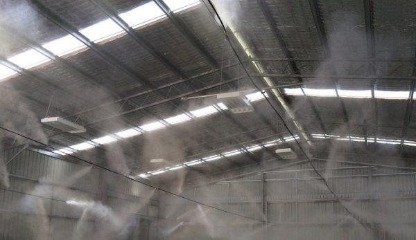 máy phun sương của nhà xưởng mái tôn